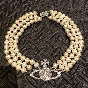 vivienne westwood 3 layer pearl bas relief choker